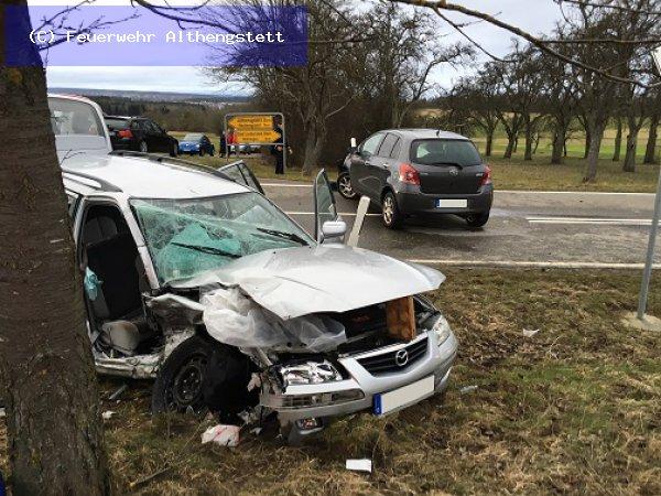 THL - Verkehrsunfall vom 21.02.2016  |  (C) Feuerwehr Althengstett (2016)